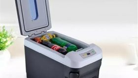 Hladilnik za avto za ohlajeno pijačo in hrano